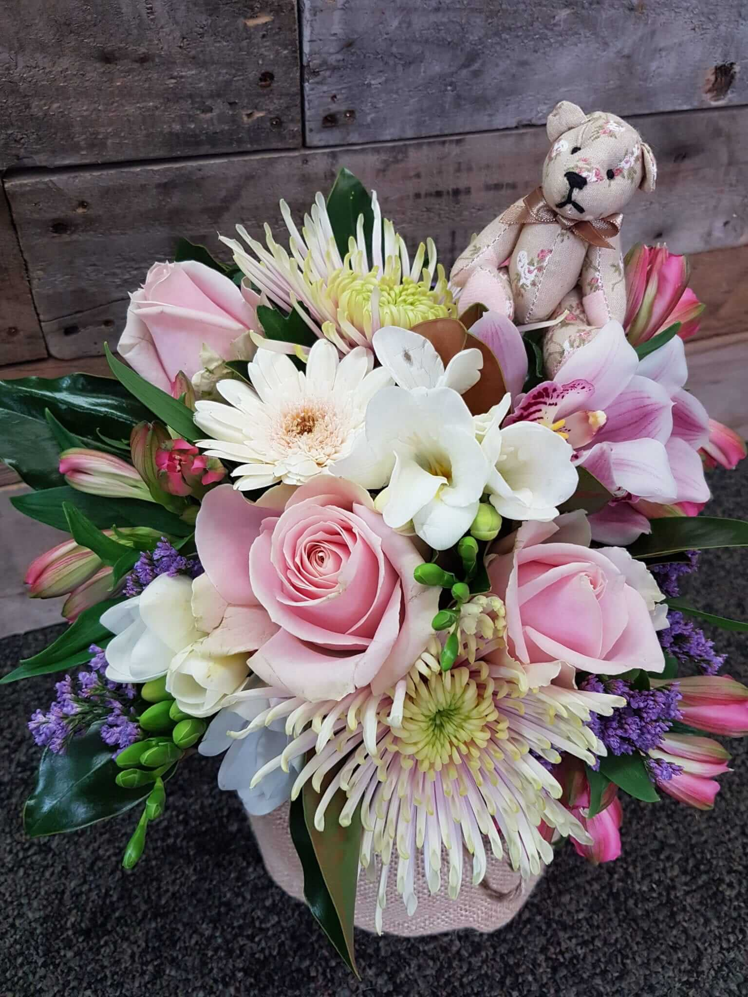 Product gallery cherrywood florist examples of our stunning work bouquet of white flowers izmirmasajfo