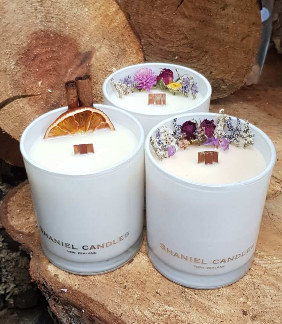 Beautiful Scented Candle with dried flowers